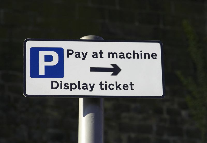 Pay & display sign