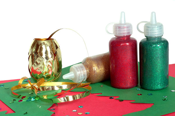 Christmas crafts glitter glue and ribbon