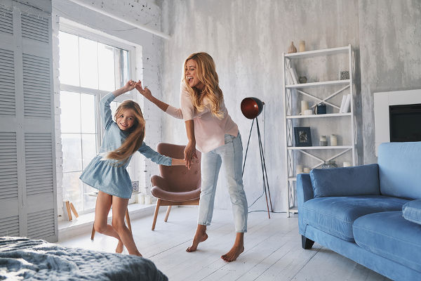 mother-daughter-dancing
